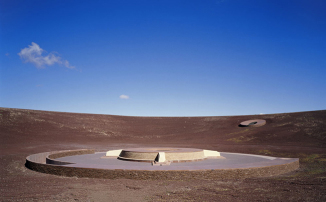 007-roden-crater-project-james-turrell-the-red-list